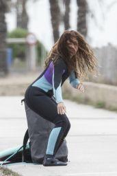 Shakira - Learns Surfing in Barcelona 12/07/2020