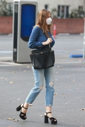 Sofia Vergara Street Style - Christmas Shopping at Saks Fifth Avenue in Beverly Hills 12/13/2020