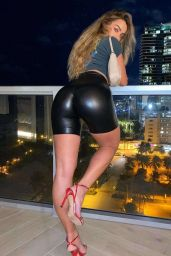 Sommer Ray Booty in Latex Shorts