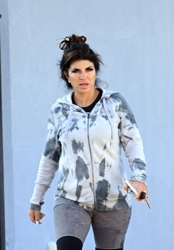 Teresa Giudice - Leaving the Jym in New Jersey 12/21/2020
