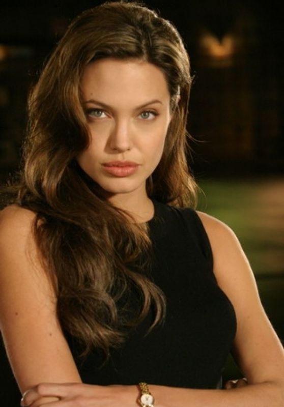 "Angelina Jolie - ""Mr and Mrs Smith"" Promo Photos 2005"