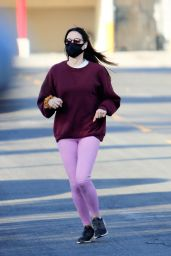 Aubrey Plaza in a Pink Leggings and a Burgundy Sweatshirt - LA 01/04/2021
