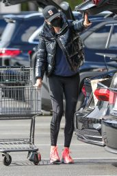 Charlize Theron - Shopping at Bristol Farms in Beverly Hills 01/25/2021