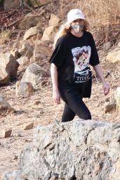 Elsa Hosk - Hiking in Los Angeles 01/02/2021