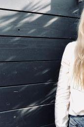Emily Kinney 01/14/2021