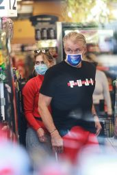 Emma Krokdal - Shopping at Ralphs in LA 01/06/2021