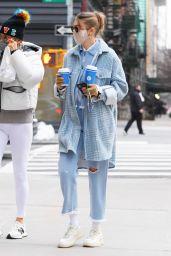 Gigi Hadid With Her Mother Yolanda Hadid in SoHo, New York 01/13/2021