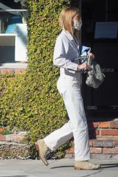 Gillian Jacobs Street Style - Out in Los Angeles 01/11/2021