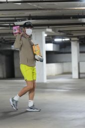 Hayley Erbert - Out in Los Angeles 12/01/2021