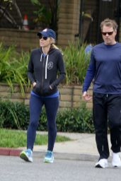 Helen Labdon in Casual Outfit in Los Angeles 01/14/2021