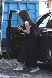 Jennifer Garner - Stops to Check on the Construction Progress of Her New Property in Brentwood 01/14/2021