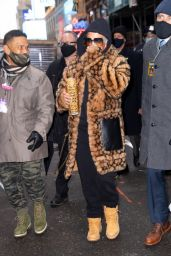 Jennifer Lopez - Arrives for Rehearsals in Times Square 12/31/2020