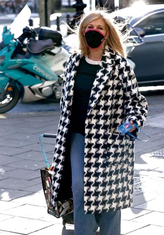 Kate Garraway Street Style - London 01/21/2021