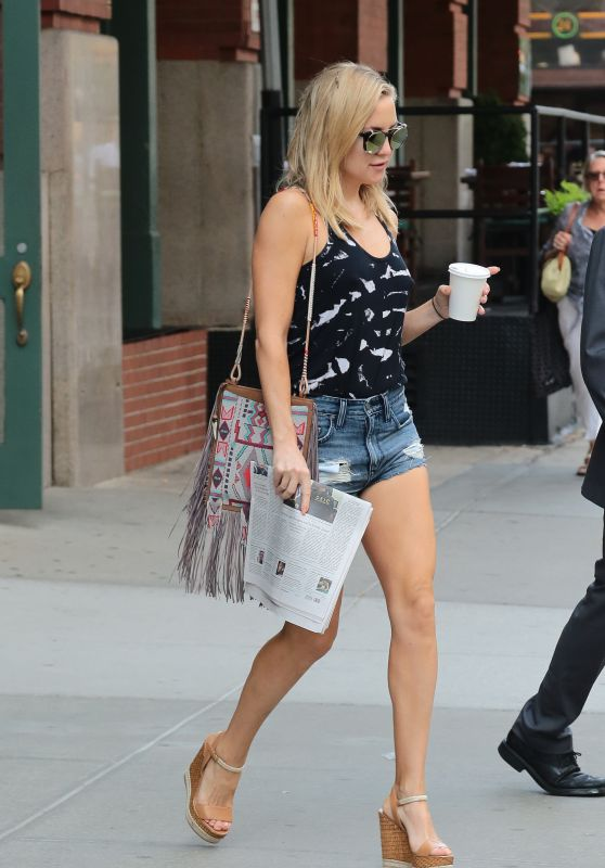 Kate Hudson in Shorts - NYC (2015)