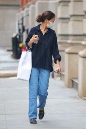 Katie Holmes Casual Style - Shopping at Santa Maria Novella in NY 01/08/2021