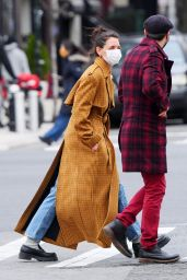 Katie Holmes Winter Style - Out in NYC 01/25/2021