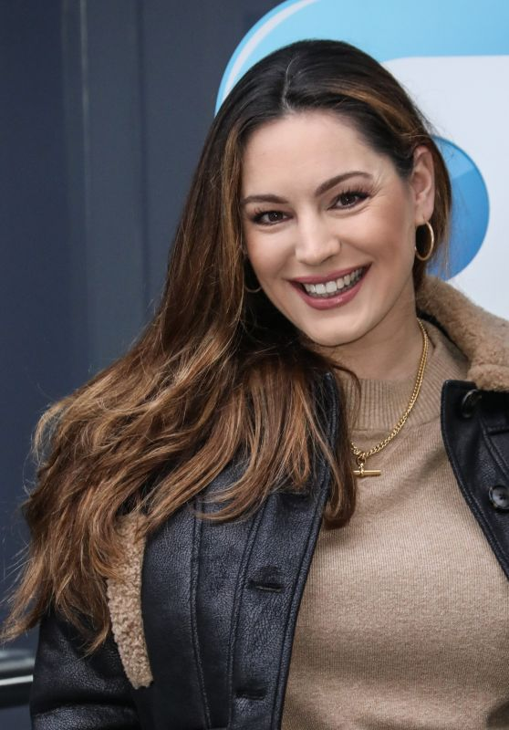 Kelly Brook - Arriving at the Global Radio Studios in London 01/11/2021