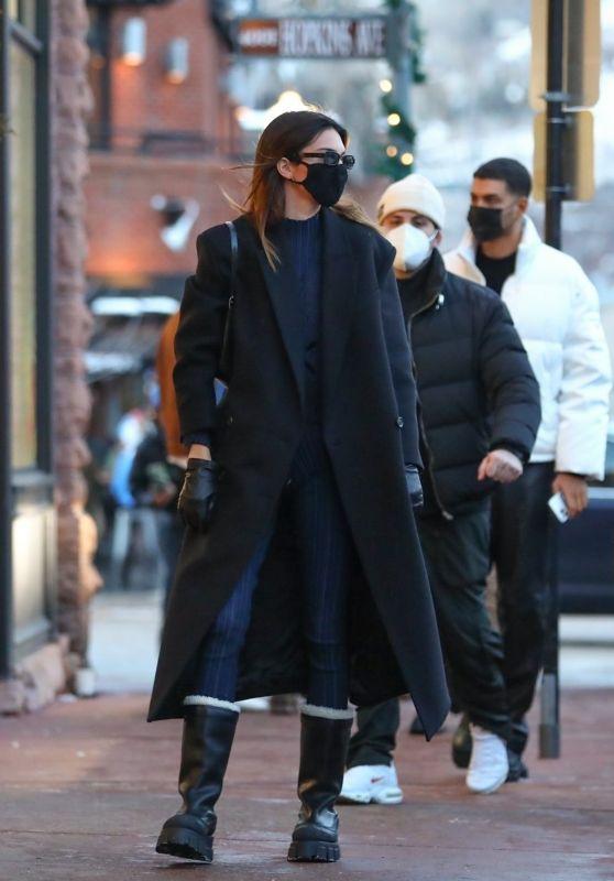 Kendall Jenner Winter Street Style - Aspen 12/31/2020