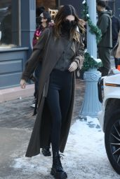 Kendall Jenner Winter Style - Shopping at Ralph Lauren on New Years Day in Aspen 01/01/2021