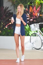 Kimberley Garner - Out in Miami Beach 01/28/2021