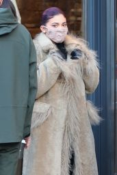 Kylie Jenner Winter Style – Shopping at Ralph Lauren on New Years Day in Aspen 01/01/2021