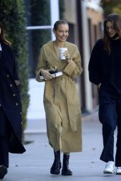 Lara Worthington - Out in Beverly Hills 01/04/2021