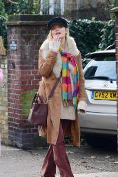 Laura Whitmore Street Style - London 12/30/2020