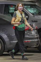 Lena Headey - Shops For Groceries at Whole Foods in Sherman Oaks 01/07/2021