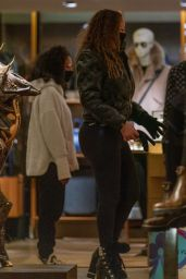 Mariah Carey - Shopping at Louis Vuitton in Aspen 01/09/2021