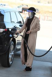 Miya Ponsetto at a Gas Station in Los Angeles 01/07/2021
