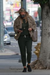 Molly Sims - Out in Santa Monica 01/05/2021