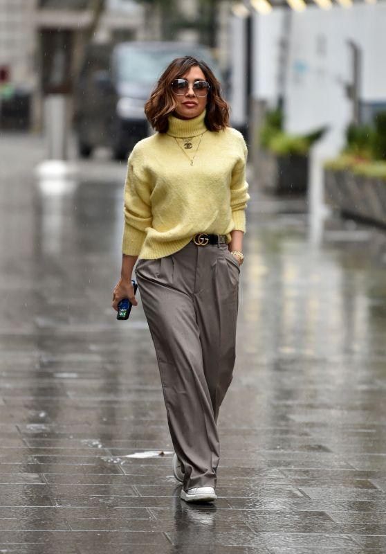 Myleene Klass in Beige Trousers and Jumper - London 01/29/2021