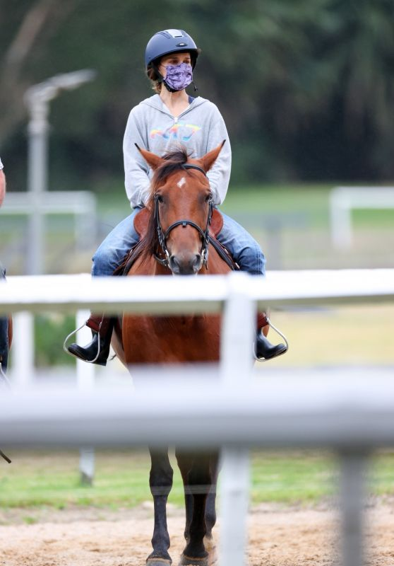 Natalie Portman - Horse Riding in Centennial Park, Sydney 01/28/2021