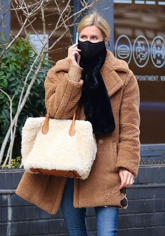 Nicky Hilton Street Style - Shopping in Manhattan