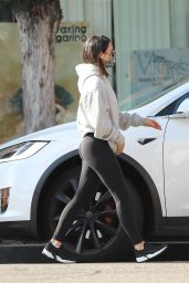 Olivia Munn in Tights - West Hollywood 01/04/2020