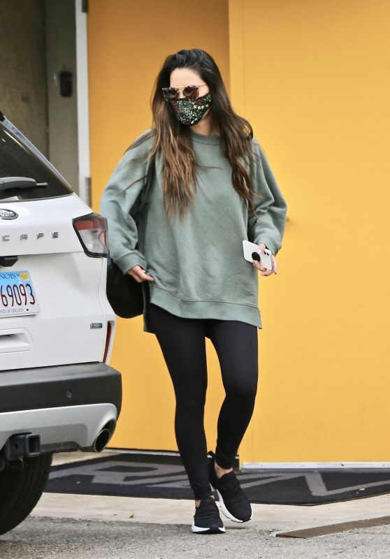 Olivia Munn - Out in West Hollywood 01/22/2021