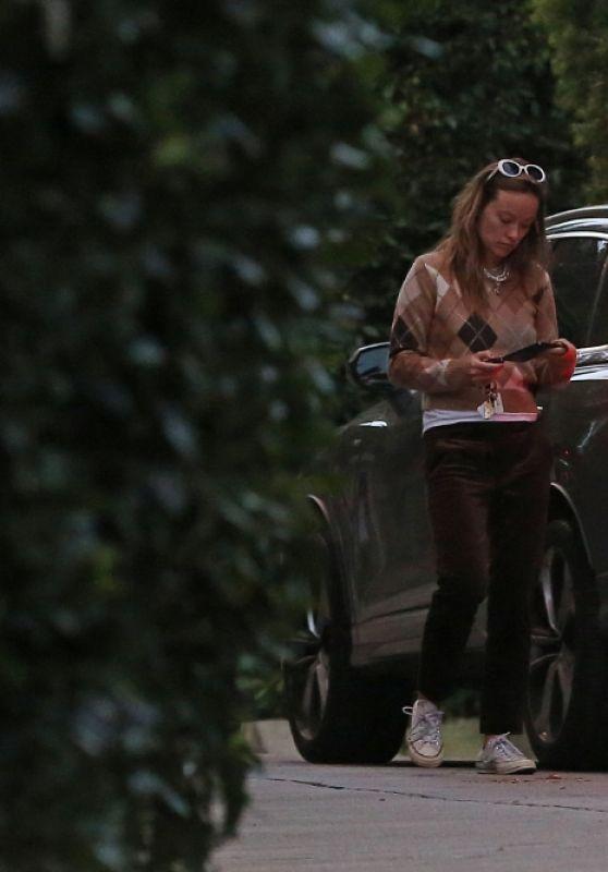 Olivia Wilde - Arrive Back at Her Home in LA 01/03/2021