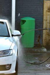 Rebecca Gormley and Chris Biggs Washing Car - Newcastle 01/12/2021