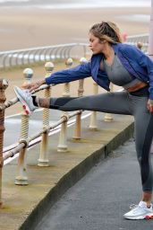 Sarah Hutchinson Working Out - Blackpool 01/09/2021