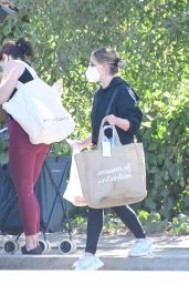 Sarah Michelle Gellar - Out in Brentwood 01/17/2021
