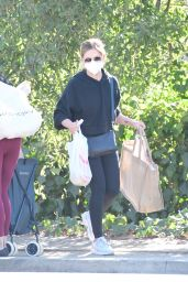 Sarah Michelle Gellar - Out in Los Angeles 01/17/2021