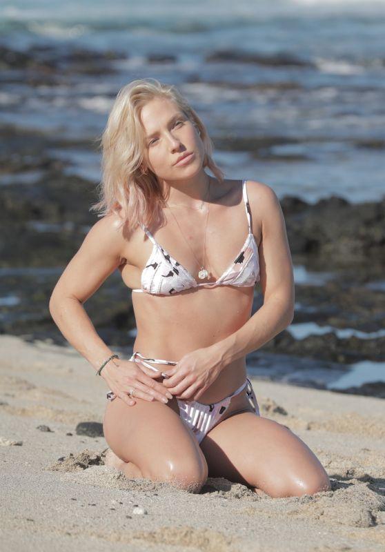 Sharna Burgess in a Bikini - Beach in Hawaii 01/02/2021