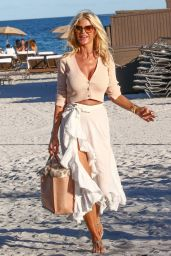 Victoria Silvstedt - Out in Miami 01/22/2021