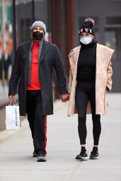 Yolanda Hadid With Her Boyfriend - New York City 01/11/2021
