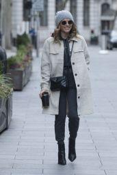 Zoe Hardman Street Style - London 01/17/2021