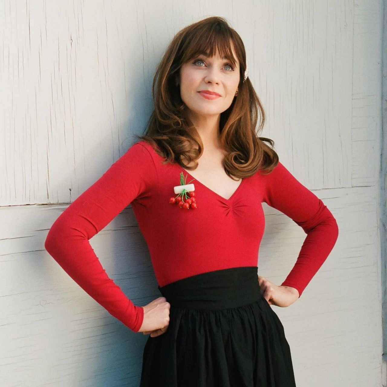 Zooey Deschanel shows off her post-pregnancy physique on