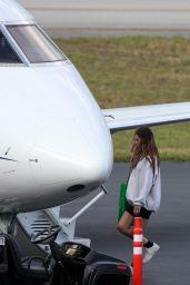 Amelia Hamlin - Boarded a Private Jet in Miami 02/21/2021