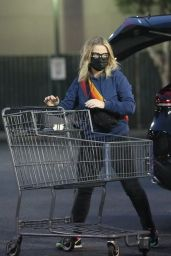 Amy Poehler - Shops for Groceries at Bristol Farms in Beverly Hills 02/11/2021