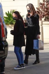 Angelina Jolie - Out in Thousand Oaks 02/06/2021