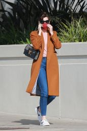 Anne Hathaway - Out in Santa Monica 02/04/2021